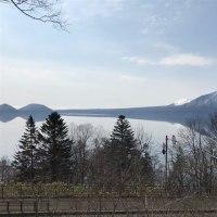 早朝の支笏湖は綺麗でした。