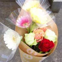 ガーベラと薔薇の花