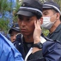 沖縄知事に県警が陳謝 大阪府警機動隊員の差別的発言