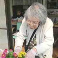 3月10日(金)晴れ 利用者9名 買物2人・ペダル漕ぎ1人、花苗植え付け