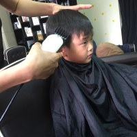 子どもたちの散髪