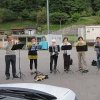 地域のまつりでオカリナを演奏しました。