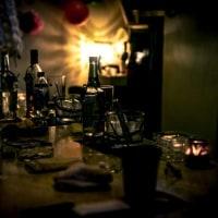 深夜の酒場
