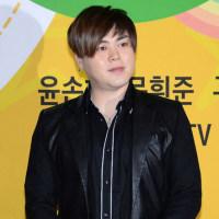【韓流&K-POPニュース】SHINHWA エリック 婚約者ナ・ヘミとウェディング写真撮影・・