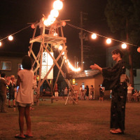八幡宮で盆踊り「大の阪」