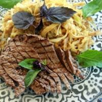 アボカド豆腐に牛肉ステーキ味を変えて2種。