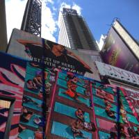 ★Yoga in タイムズスクエア