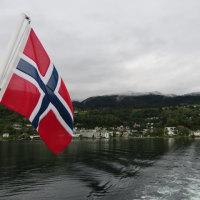 ハダンゲルフィヨルドのボートツアーが始まりました。