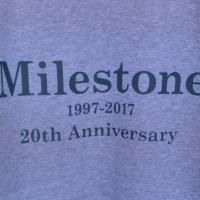 マイルストーン20周年記念ジップアップパーカ発売