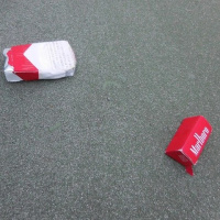 缶1個、たばこの空箱3個収集、レジ袋でゴミ拾い&パトロール