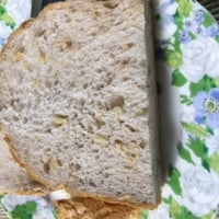 クルミ入り食パン
