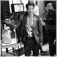 思わず ぷぷっ!😁  クォン・サンウ'FENDIソウルPEEKABOOプロジェクトイベント'の時だね😜