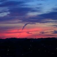朝焼けを撮る 金沢市南部の空