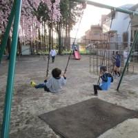 公園では全力少年少女