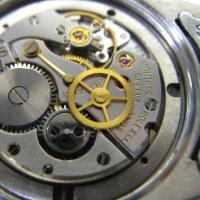ロレックス紳士物手巻き時計を修理です