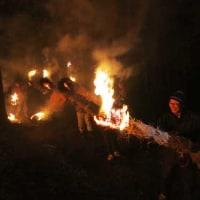 岡本の火祭り開催される
