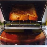 トーストっていうめっちゃ美味しい食べもの..