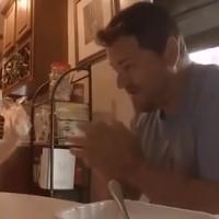 耳が聞こえない父と娘の遊びにほっこり(Yahoo!映像)