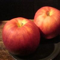 BAR ZERO、林檎のオリジナルカクテル(花のワルツ)