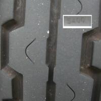 グラストラッカーのタイヤ交換、ヒビ(クラック)のため