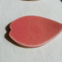 桜の花びら形の箸置き、釉薬タイプ