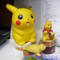 黄色いキャラクターたち