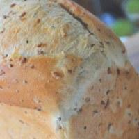 アマニとキヌアの食パン