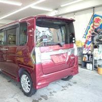 本日PITでは新車点検入庫で「タント・カスタム」をコーティング施工!