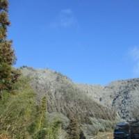 山里の青空と雪山のコントラストが好き!