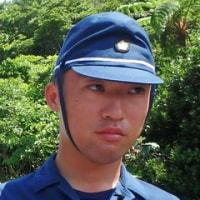 沖縄県民弾圧のためやってきた警視庁機動隊の面々。