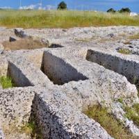 メッサーピア人のネクロポリス…マンドゥーリア