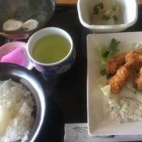 3月16日の日替り定食550円は コロコロイカフライ、自家製タルタルソース です。
