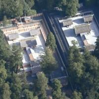 伊勢神宮の「式年遷宮の制」が定められた。