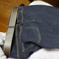 久しぶりにジーンズなんてものを買いました。