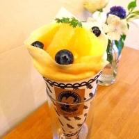 生クリームとヨーグルトクリームの柑橘蜂蜜&カシスクレープ