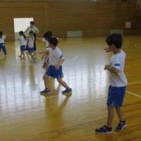 5月29日(月)の続き・低学年の手踊り練習