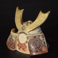 陶器の兜、焼き締めがシブい?