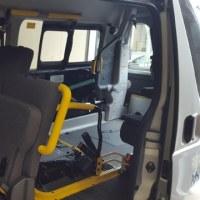製品取り付け ハイエースリアエアコン化オートコントロールユニット 介護タクシー仕様車