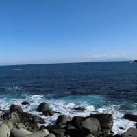 青い空は真っ青な海を演出します