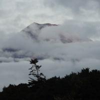 雲のない富士に