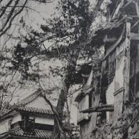 昭和6,7年頃の崩壊寸前の松山城の写真です