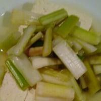 セロリの浅漬けと大山豆腐