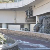 新宿高層ビル街・水の風景 新宿駅西口ロータリー