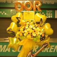 ONE OK ROCK様にお送りのバルーンスタンド花