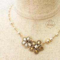 ソウタシエ 5弁花のかわいいネックレス