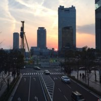 駅前ビル群ほぼ歩き…又々お天気ロケ!‼︎