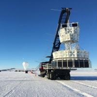 南極大陸上空の気球