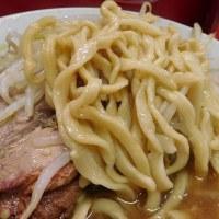 港区三田 「ラーメン二郎 三田本店」へ行く。。。「ラーメン麺少なめ&ニンニク少なめ」