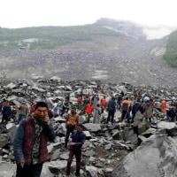 続報:中国山崩れ 生き埋め140人以上に。/ 中国で山崩れ 100人生き埋め