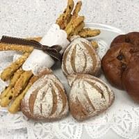 今日はJHBS東京本校でした。イチジクと赤ワインのパン「ラ・フィグ」と宇治抹茶ゼリー「茶の雫」です。